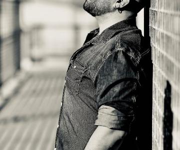 Intervista con il cantautore Mauro Tummolo